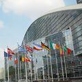 Strasbourgban történt – Nem az ACTA-ra, igen az e-segélyhívókra