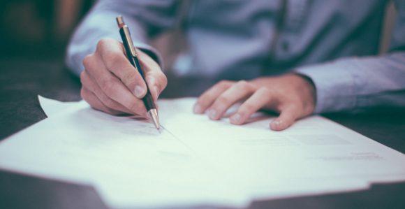 Jognyilatkozatok érvénytelensége a munkaviszonyban – Mit jelent a semmisség, a megtámadhatóság és mik az érvénytelenség jogkövetkezményei?